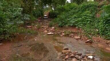 Obras estão atrasadas em córrego de Rondonópolis - Obras estão atrasadas em córrego de Rondonópolis