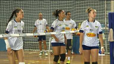 Equipe de São José dos Pinhais busca vaga na elite do vôlei - Time estreia na Superliga B pensando em subir para a divisão principal