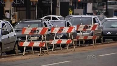 Obras na Avenida 85 causam transtornos, em Goiânia - Mudança deveria ter ficado pronta na última quarta-feira (20).