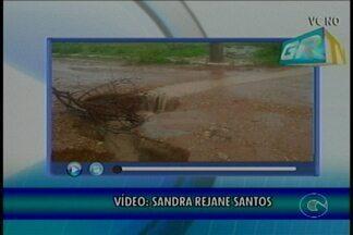 Chuva abre buraco no bairro Parque Massangano - A cada dia o buraco só aumenta