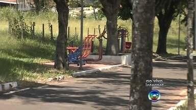 Prefeitura de Marília oferece bicicletas de graça para a população - Em Marília, uma parceria entre a prefeitura e governo do estado oferece bicicletas para a população andar aos domingos e de graça. O projeto funciona na ciclo faixa da avenida das Esmeraldas. A partir de amanhã tem uma novidade pra reservar as bikes.