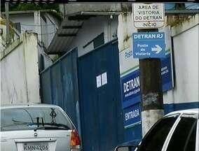 Em Petrópolis, RJ, posto do Detran não funciona - Empresa terceirizada pelo Detran alegam atraso no pagamento dos funcionários.
