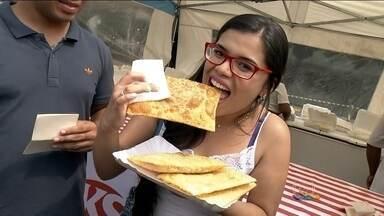 Festival gastronômico e 1º festival do pastel agitam o Memorial da América Latina - O Memorial da América Latina ficou lotado na tarde deste sábado (23) e não foi por causa de nenhuma exposição. Foi por causa de comida.