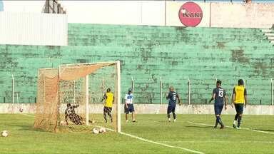 Londrina treina em Arapongas para início do Campeonato Paranaense - A pouco mais de sete dias para a e estreia no Paranaense, o Londrina se adapta ao campo e treina forte para começar o campeonato com vitória.
