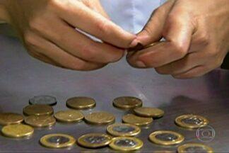 Comerciantes buscam alternativas para falta de moedas - Na capital, tem comerciante investindo em máquinas que trocam moedas por cédulas.
