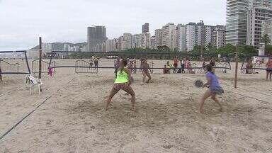 Praia do Gonzaga recebe Mundial de Beach Tennis - A praia do Gonzaga, em Santos, está sendo palco de uma competição mundial de Beach Tennis.