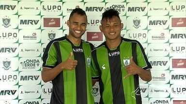 América-MG apresenta mais dois reforços: o volante Pablo e o atacante Maranhão - Pablo deverá, inclusive, ser titular na partida contra o Figueirense