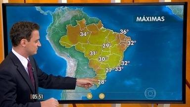 Confira como fica o tempo nesta quinta-feira (28) em todo o Brasil - Com o calor e a alta umidade do ar, aumenta a chance de pancadas de chuva na maior parte do país. Chuva deve ser mais forte em Minas Gerais, nos estados do Centro-Oeste e no interior do Nordeste.