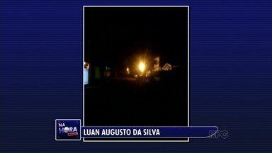Telespectador manda vídeo para reclamar da escuridão em um bairro de Sarandi - Ele conta que há meses as lâmpadas dos postes estão queimadas.