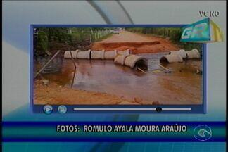 Situação do Canal do Vale do Grande Rio piora com a chuva - Muita gente precisa passar pelo local.