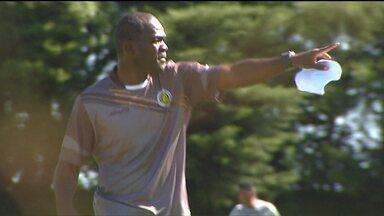 No Cascavel, amigo do Drogba é o técnico do time - Charles Gbeke também é da Costa do Marfim, jogou como atacante, e começa a construir aqui no Paraná a carreira de treinador