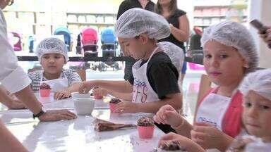 Crianças fazem oficina para mini chefs Várzea Grande - Crianças fazem oficina para mini chefs Várzea Grande