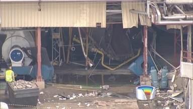 Duas pessoas morrem e três ficam feridos em explosão em cervejaria - Acidente aconteceu após explosão em uma caldeira em manutenção.