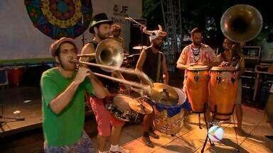 Orquestra Voadora abre carnaval antecipado de Juiz de Fora - Grupo se apresenta na noite desta quinta-feira (28), na Praça Antônio Carlos. Programação vai até 6 de fevereiro.