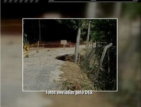 DER inicia recuperação da RJ-117 em Petrópolis após chuva formar cratera na pista - Intervenções foram necessárias por causa da chuva.