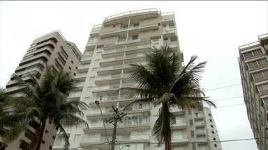 Lula e Marisa são intimados a depor sobre o apartamento tríplex em São Paulo - O Ministério Público de São Paulo informou que quatro pessoas deverão comparecer para depor sobre o apartamento triplex em Guarujá, no litoral de São Paulo.