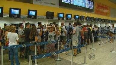 Aeroporto de Viracopos, em Campinas, tem 15 voos cancelados nesta sexta - Muitos voos atrasaram por causa do mau tempo e falhas do sistema.