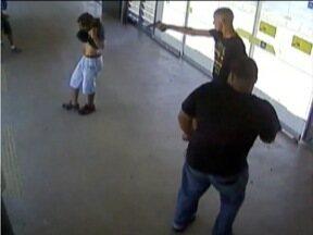 Homem é morto em estação de ônibus em Belo Horizonte - Outra pessoa ficou ferida na ação.