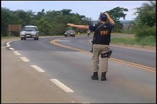PMR intensifica policiamento na BR-262 durante o Carnaval - O foco da PMR é tentar reduzir o número de mortes e acidentes nas estradas. Policiais alertam os motoristas que vão viajar durante o carnaval.