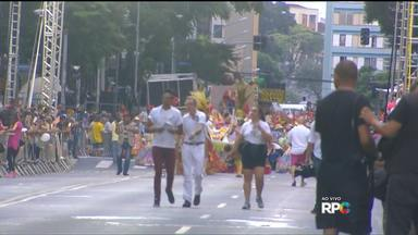 Escolas de samba desfilam neste sábado em Curitiba - A festa só deve terminar de madrugada
