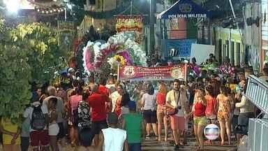 Homem da Meia-Noite se prepara para desfilar pelo Sítio Histórico de Olinda - Este 84º desfile da agremiação