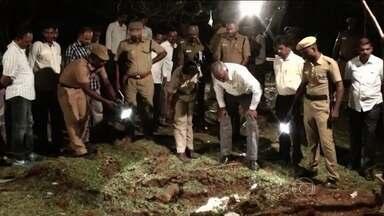 Objeto misterioso cai do céu na Índia e provoca explosão - Suspeita é de que se trata de um pedaço de meteoro.