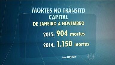 Número de mortes no trânsito da capital cai 20% de janeiro a novembro de 2015 - A prefeitura atribuiu a queda a uma série de medidas, como a redução da velocidade máxima em quase toda a cidade.