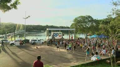 Lago de Cascavel fica agitado com aula de zumba - Evento é promovido pela RPC.