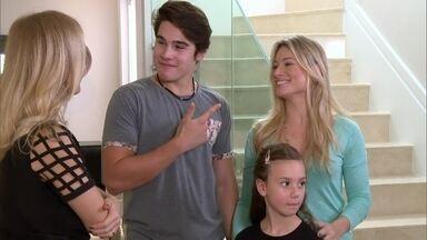 Nicolas Prattes abre a sua casa para Angélica - A família do galã recebe o 'Estrelas'