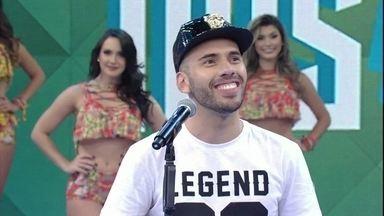 Cantor imita artistas famosos no 'Se Vira nos 30' - MC Maloka arrancou gargalhadas da plateia