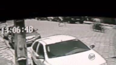 Câmeras flagram atropelando em avenida de Pouso Alegre (MG) - Câmeras flagram atropelando em avenida de Pouso Alegre (MG)