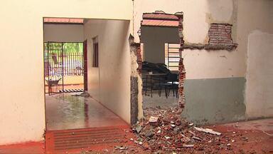 Em Corbélia 150 alunos da rede municipal estão sem aula - A reforma da escola onde as crianças estudavam está com a reforma atrasada.