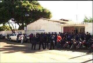 Guardas municipais fazem protesto em Juazeiro do Norte - Categoria pede aumento de salário e outras recomendações.