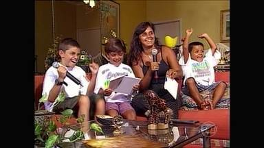 Felipe Simas se vê criancinha dando show de fofura no 'Domingão' - Faustão relembra participação de Beto Simas que tem Felipe Simas ainda criança no vídeo