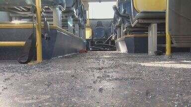 Ônibus são depredados durante briga de torcidas em Campinas - O vandalismo aconteceu no dia de jogo entre Ponte Preta e São Paulo.