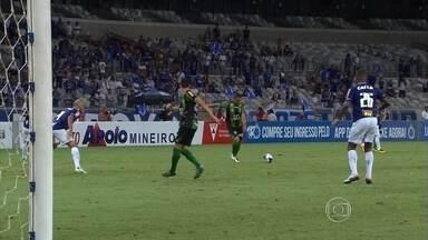 América-MG arranca empate com golaço e vê Cruzeiro deixar escapar a liderança do Mineiro - América-MG arranca empate com golaço e vê Cruzeiro deixar escapar a liderança do Mineiro