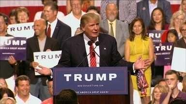 Donald Trump vira favorito entre os republicanos com discurso contraditório - O pré-candidato vem despertando amor e ódio nas prévias para as eleições. De olho nos eleitores menos instruídos, ele diz que adora quem estudou pouco.