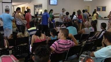 Pacientes reclamam da falta de médicos e remédios em Cais de Goiânia - Problemas ocorrem em meio a grande epidemia de dengue que assola a cidade.