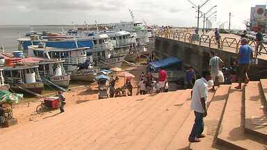 Porto improvisado na orla causa transtornos em Santarém - Ambulantes tomam conta do local e veículos estacionam em fila dupla.