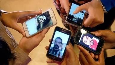 Padre Fábio de Melo ganha fãs em redes sociais - São quase 9 milhões de seguidores, em três redes sociais. Os fãs incluem anônimos e até famosos.