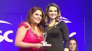 Mulheres que se destacaram como empreendedoras recebem prêmio - O evento foi promovido pela Federação do Comércio e é em comemoração ao Dia da Mulher.