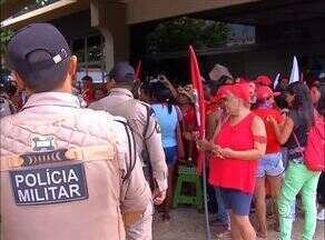 Protesto de mulheres do MST termina em confusão e prisões - Protesto de mulheres do MST termina em confusão e prisões
