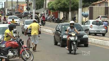 Em combate a clandestinidade, taxistas terão que realizar cadastramento em Caxias - Na cidade, existem pessoas não autorizadas oferecendo os serviços de táxi.