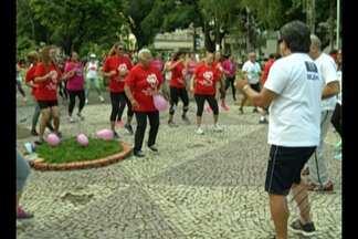 Em Belém, programação comemorou o Dia Internacional da Mulher na Praça Brasil - Teve exercício físico, café da manhã, serviços de beleza e orientações de saúde.