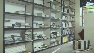 Biblioteca foi alvo de vandalismo em Porto Velho - O prédio da biblioteca pública estadual em Porto Velho foi alvo de vandalismo. Toda a estrutura do local ficou destruída, depois de vários furtos praticados nos últimos dias.