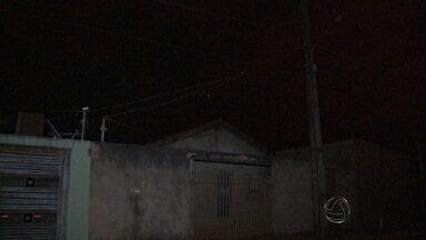 Moradores da capital de MS reclamam da falta de iluminação pública - Segundo a assessoria de imprensa da prefeitura, as reclamações foram encaminhadas para o departamento responsável.