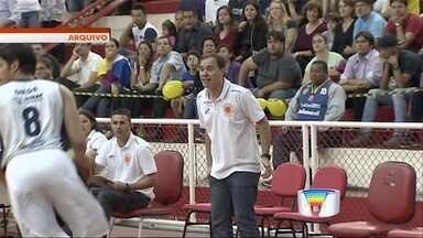 Justiça condena Prefeitura de São José a pagar R$ 500 mil para Marrelli - Régis Marrelli, então técnico do São José Basquete, foi demitido em novembro de 2013 após passar seis anos na equipe; ele cobra direitos trabalhistas desse período.