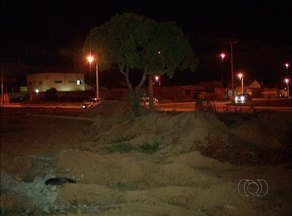 Prefeitura dá respostas sobre asfalto e falta de luz da quadra 606 Norte em Palmas - Prefeitura dá respostas sobre asfalto e falta de luz da quadra 606 Norte em Palmas
