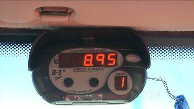 Taxistas têm até esta terça-feira (15) para instalar taxímetros em Balsas, MA - Taxistas de Balsas (MA) têm só até esta terça-feira (15) para instalar o taxímetro. Quem não cumprir a lei pode pagar multa e perder a licença pra trabalhar.
