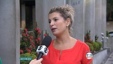 Quarenta e quatro por cento dos consumidores de BH comprometem metade da renda com dívidas - Entrevista ao vivo com a economista da Câmara de Dirigentes Lojistas de Belo Horizonte (CDL-BH), Ana Paula Bastos.
